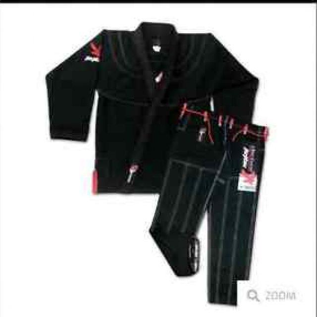 Vendo Kimono Manto A3 con poco uso